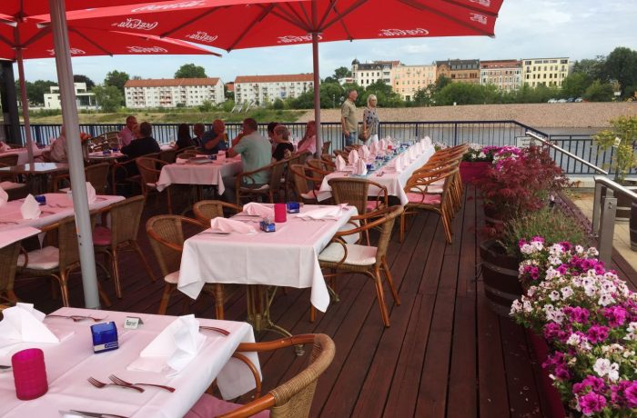 Ein Sommerabend im Restaurant Petriförder